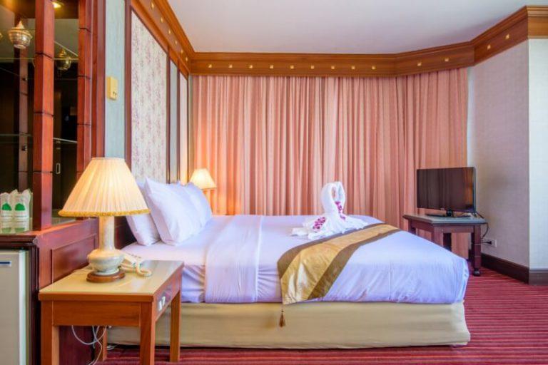 Alexander Hotel Bangkok : ห้องเอ็กเซ็คคูทีฟ ดีลักซ์