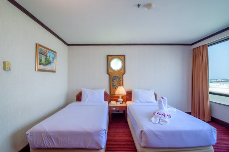 Alexander Hotel Bangkok : 行政间
