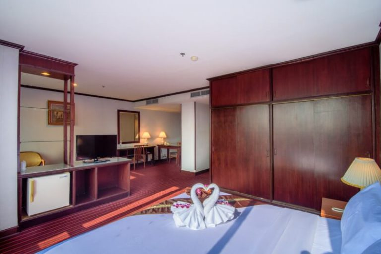 Alexander Hotel Bangkok : ห้องจูเนียร์สวีท