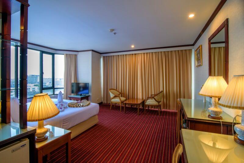 Alexander Hotel Bangkok : 豪华间