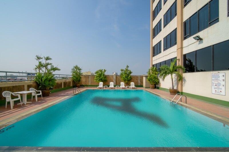 Alexander Hotel Bangkok : Swimming Pool