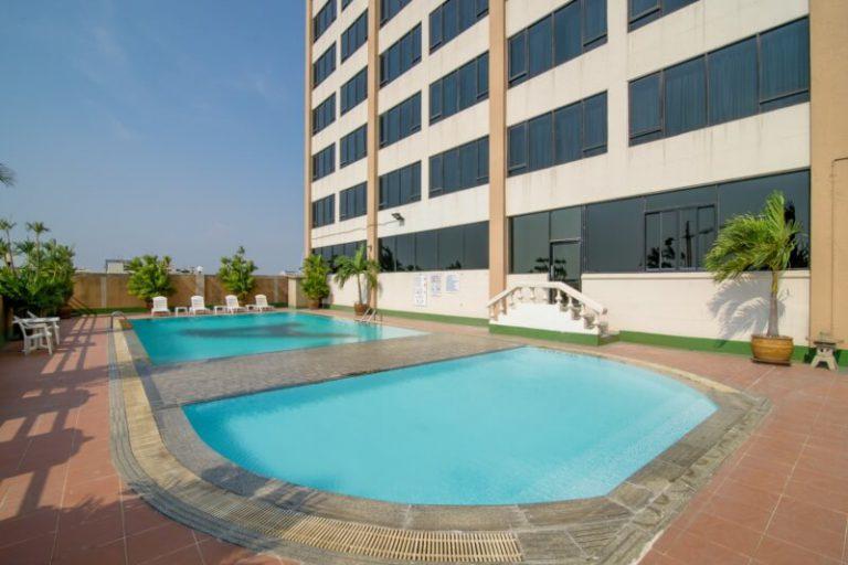 Alexander Hotel Bangkok : สระว่ายน้ำ