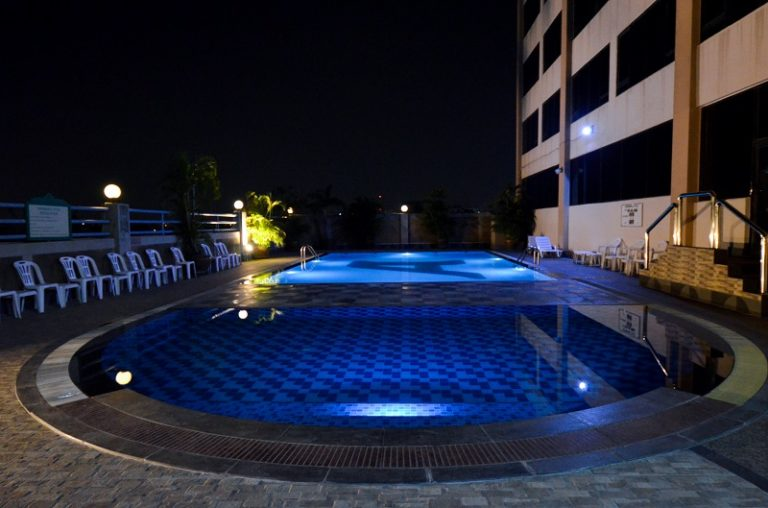 Alexander Hotel Bangkok : Swimming Pool